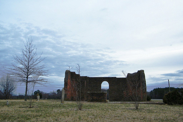 White Marsh Church ruins (image courtesy sarahstierch/Flickr)