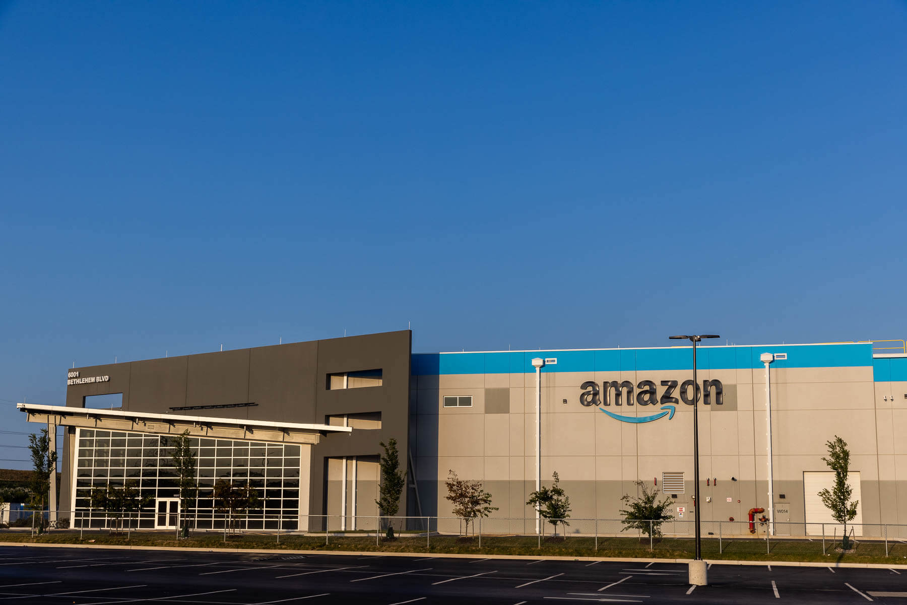 Photo of an Amazon warehouse in Turner Station.