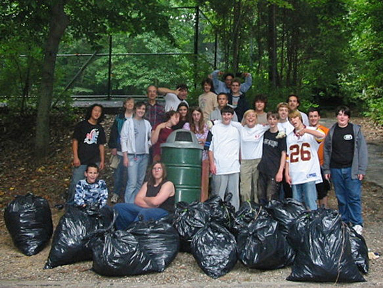 volunteers with Friends of Accotink Creek