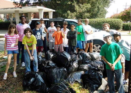 students at trash cleanup