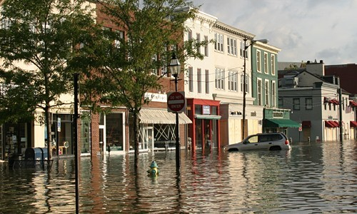 Strong storms, like Hurricane Isabel, which hit the Chesapeake Bay in 2003, can lead to flooding in the watershed. Extremes in rainfall—whether too much or too little—can have varying effects on the Bay ecosystem. (Michael Land Photography)